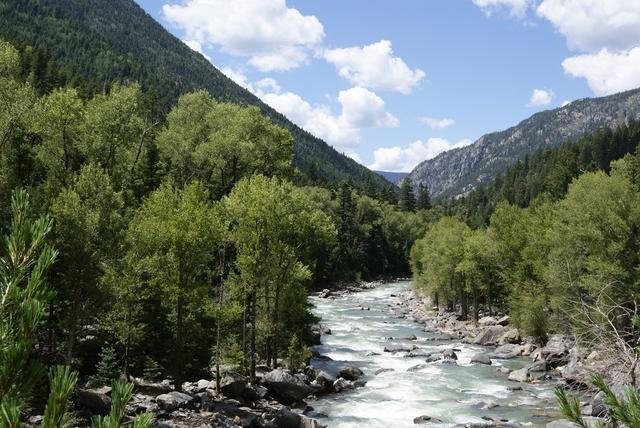 Animas-River-Near-Needleton-28987777_223735_ver1.0_640_480