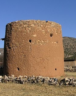 800px-Torreon_structure_in_Lincoln,_New_Mexico